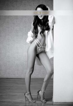 Mia - Escort ladies Frankfurt 1
