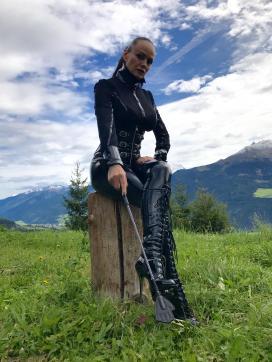 Domina Liane - Escort dominatrix Zurich 12