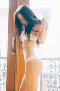 Kate - Escort lady Cardiff 2