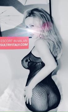 Sultry Italy - Escort dominatrix Naples 4