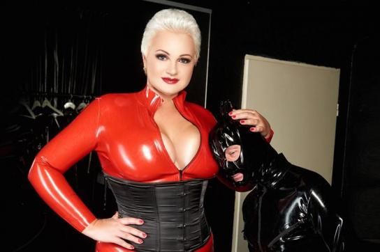 Lady Anna - Escort dominatrix Düsseldorf 9