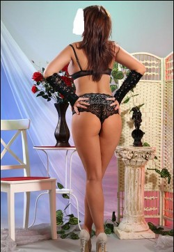 Emara - Escort ladies Bucharest 1