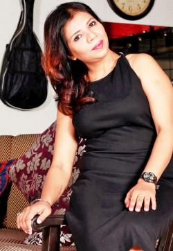 Ponam Singh Mature Escort - Escort ladies Dubai 1