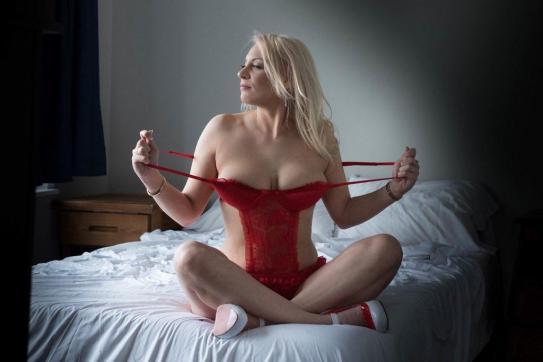 Saskia - Escort lady Chicago 6
