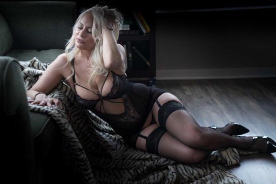 Saskia - Escort lady Chicago 8