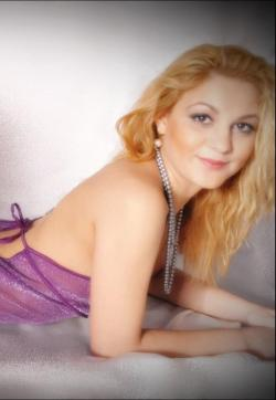 Amelia - Escort ladies Duisburg 1