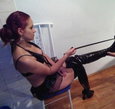 Domina Victoria - Escort dominatrix Budapest 4