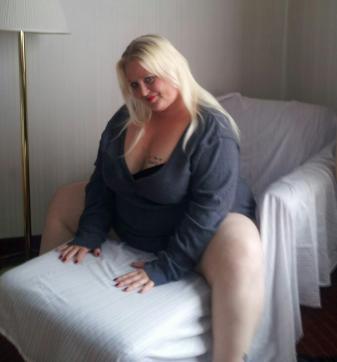 krystalblonde MsWaterfalls - Escort lady Detroit MI 2