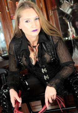 Lady Nightfrozen - Escort dominatrix Hockenheim 1