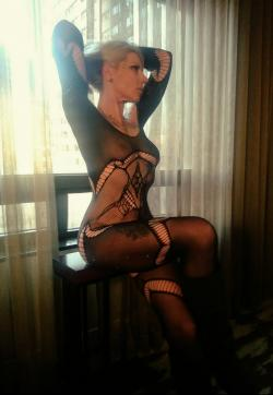 Miss Shelly - Escort lady Denver CO 1