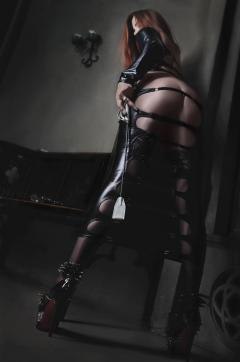 Mistress Lagerta - Escort dominatrix Bordeaux 6