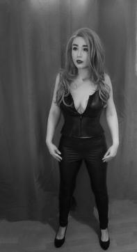 Goddess Findora - Escort dominatrix London 4