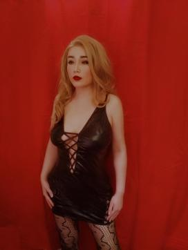 Goddess Findora - Escort dominatrix London 7