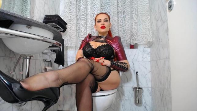 Goddess Nora Marinelli - Escort dominatrix Stuttgart 16