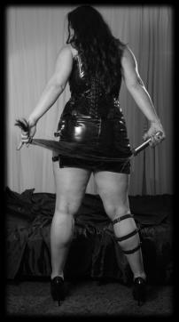 Lady Aradia - Escort dominatrix Cologne 12