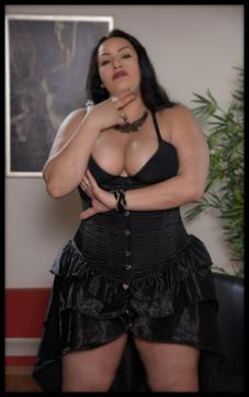 Lady Aradia - Escort dominatrix Cologne 13