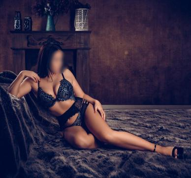 Adriana - Escort lady Hamburg 4