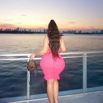 SugarMummy - Escort lady Dubai 3