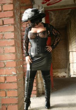 Mistress Gloria - Escort dominatrixes Nuremberg 1