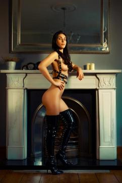 Lady Jane - Escort dominatrix Geneva 5