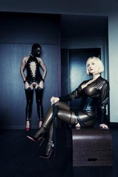Mistress Anda - Escort bizarre lady Berlin 3