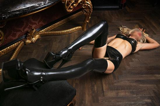 LADY LUNA - Escort dominatrix Amsterdam 5