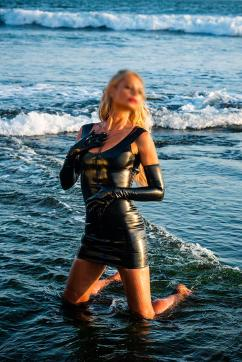 LADY LUNA - Escort dominatrix Amsterdam 9