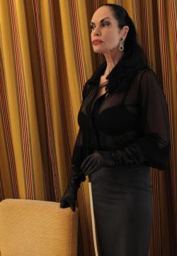 Contessa Barbara Calucci - Escort dominatrixes Essen 1