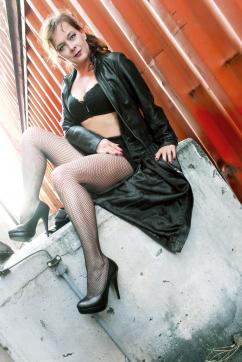 Lady Blue - Escort dominatrix Frankfurt 3