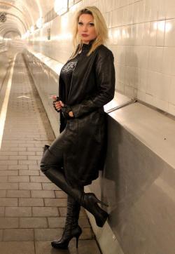 Lady Jessy - Escort dominatrix Buchholz in the Nordheide 1