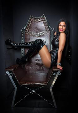 Bizarrlady Shaira - Escort female slaves & maids Berlin 1