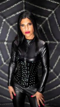 Bizarrlady Shaira - Escort female slave / maid Duisburg 2