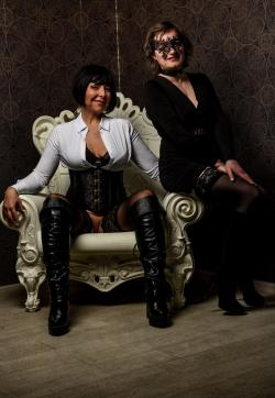 Enoma - Escort bizarre ladies Berlin 1