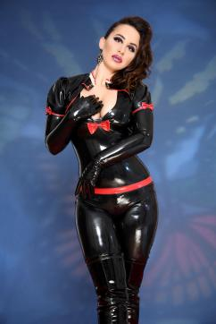 Lady Farah - Escort dominatrix Düsseldorf 13