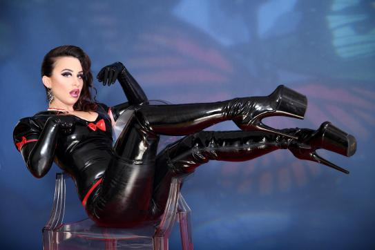 Lady Farah - Escort dominatrix Duisburg 14