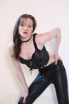 Jil Jolie - Escort dominatrix Duisburg 11
