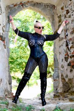 Bizarrlady Jessica - Escort bizarre lady Linz 12