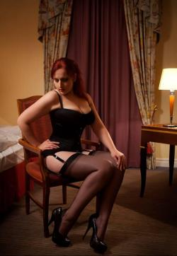 Domina Miss Leonie - Escort dominatrix Hamburg 2