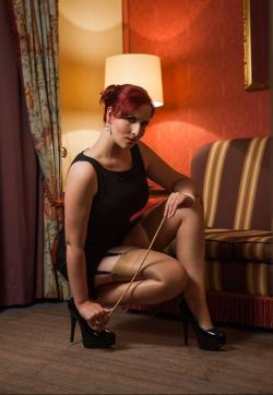 Domina Miss Leonie - Escort dominatrix Hamburg 5