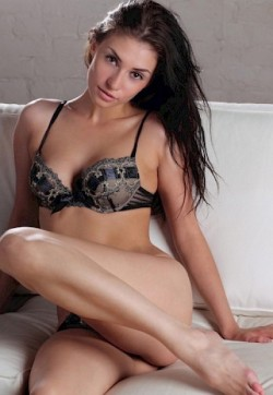 Diana Slim Brunette - Escort ladies Rotterdam 1
