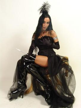 Sidney Dark - Escort dominatrix Duisburg 12