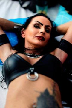 Sidney Dark - Escort dominatrix Duisburg 4