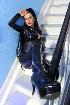 Sidney Dark - Escort dominatrix Duisburg 9
