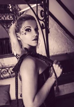 Switcherin Amena Kinky - Escort dominatrix Duisburg 1