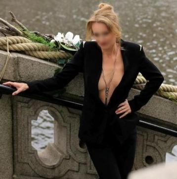 Fenna - Escort lady Amsterdam 10