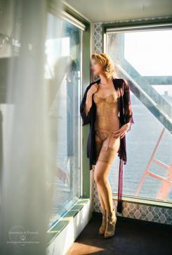 Fenna - Escort lady Amsterdam 6
