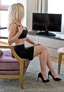 Louisa - Escort ladies Hamburg 1