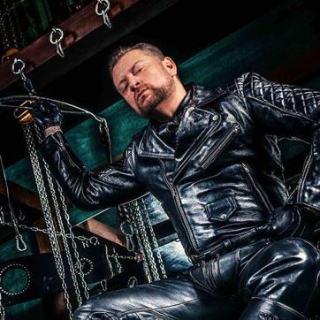 DominusBerlin - Escort master Duisburg 2