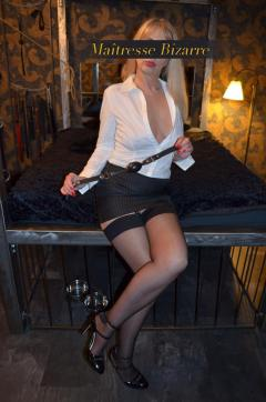 Maitresse Bizarre - Escort dominatrix Essen 9