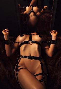 Submissive Camila - Escort bizarre lady Prague 1